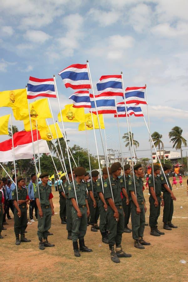 Paraders in het lokale seizoen van het sportenfestival stock afbeelding