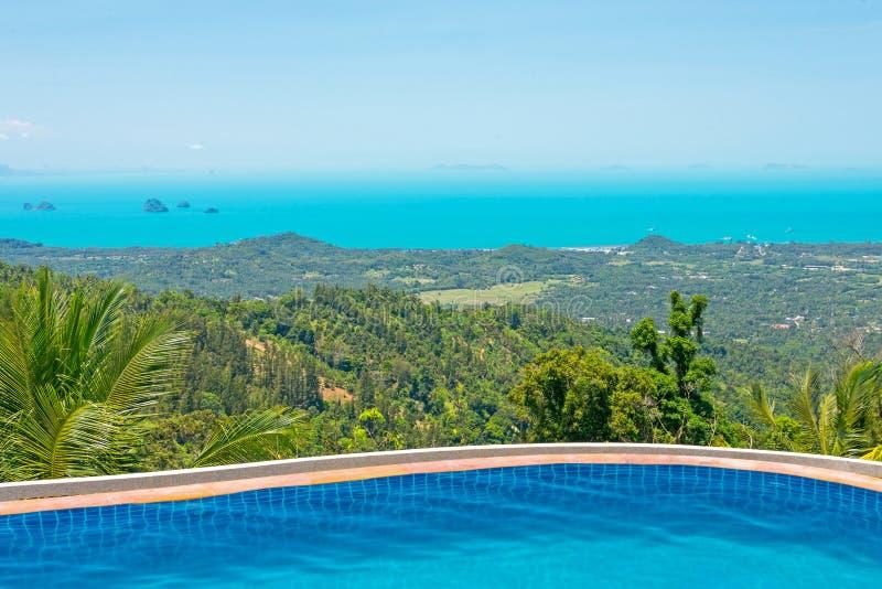 Paradies-Bauernhof-ParkSwimmingpool bei Samui Thailand lizenzfreies stockbild