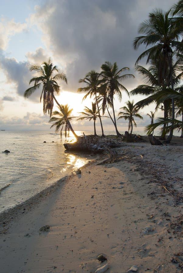 Paradies-Inseln in Guna Yala, Kuna Yala, San Blas, Panama Sonnenuntergang SONNENAUFGANG stockbilder