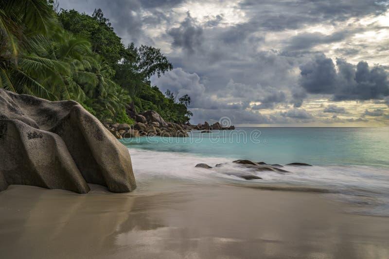 Paradiesstrand an anse Georgette, praslin, Seychellen 2 lizenzfreies stockbild