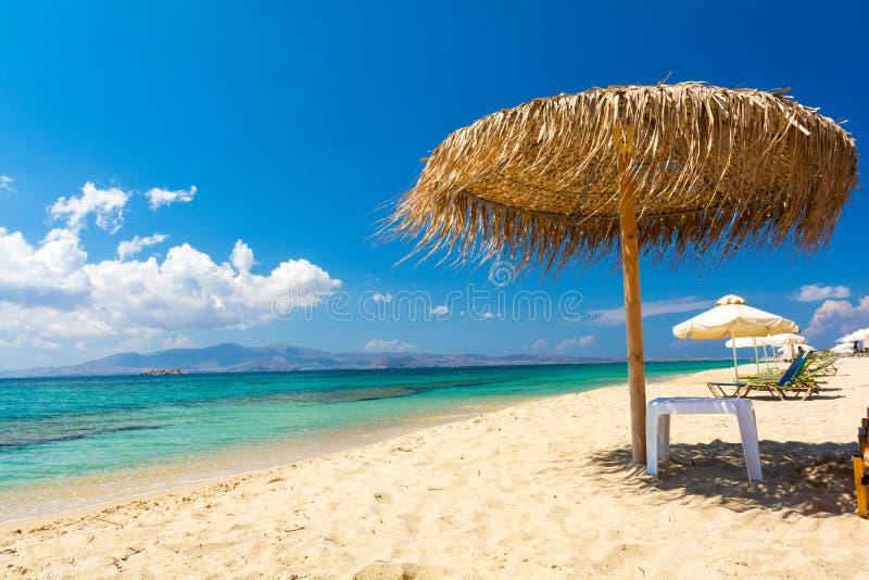 Paradijs zandig strand op Naxos-eiland, Cycladen, Griekenland stock afbeeldingen