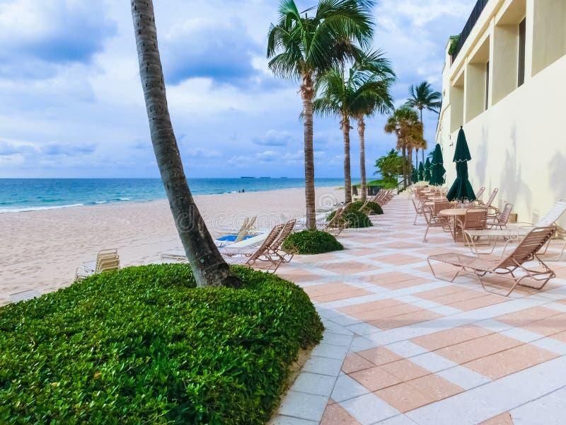 Paradijsstrand bij Fort Lauderdale in Florida op een mooie sumerdag royalty-vrije stock afbeeldingen