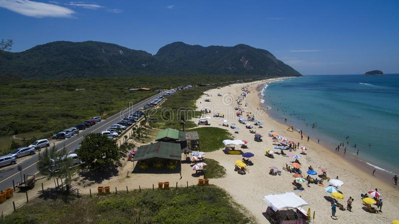 Paradijsstrand, mooi strand, prachtige stranden rond de wereld, Grumari-strand, Rio de Janeiro, Brazilië, Brazilië van Zuid-Ameri royalty-vrije stock foto's