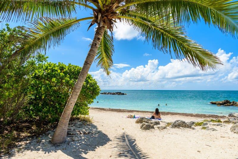 Paradise strand p? fortet Zachary Taylor Park, Key West delstatspark i Florida, USA arkivfoton