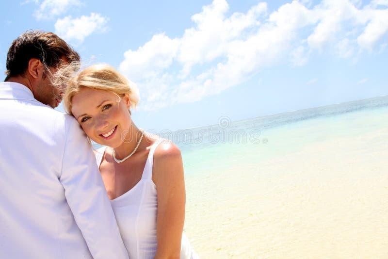 paradisiacal bröllop för strand royaltyfri fotografi