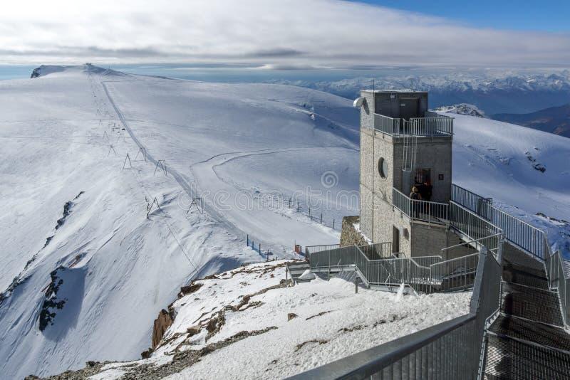 Paradiso del ghiacciaio del Cervino vicino al picco del Cervino, alpi, Svizzera fotografia stock