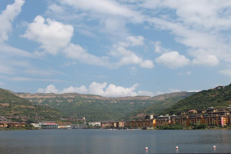 Paradiso della città del lago fotografia stock libera da diritti