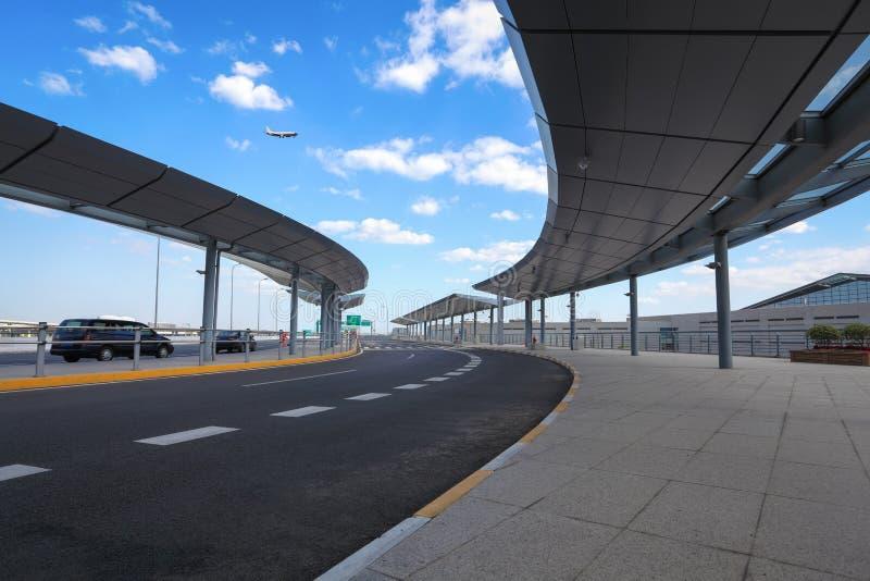 Paragem do autocarro do aeroporto imagem de stock