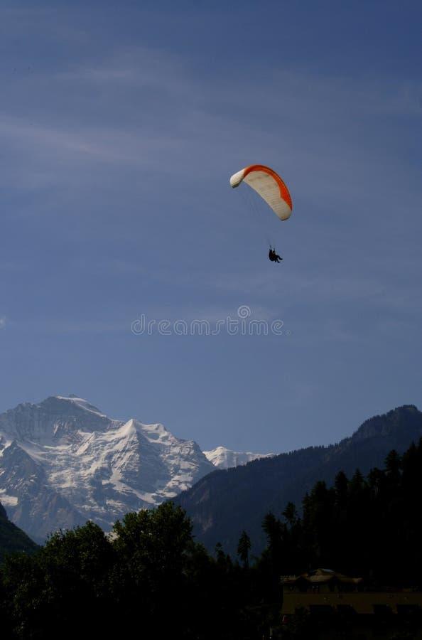 Download Paraglider fotografering för bildbyråer. Bild av flyg, glidning - 227085