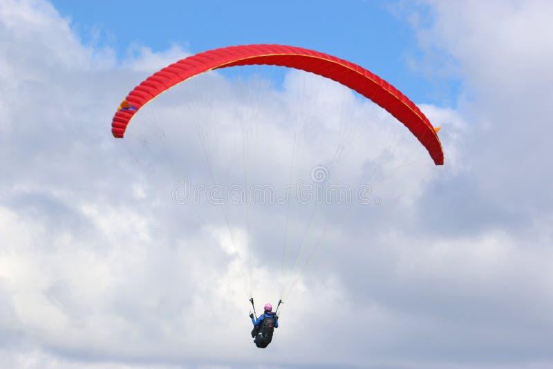 Paraglider latanie zdjęcie stock