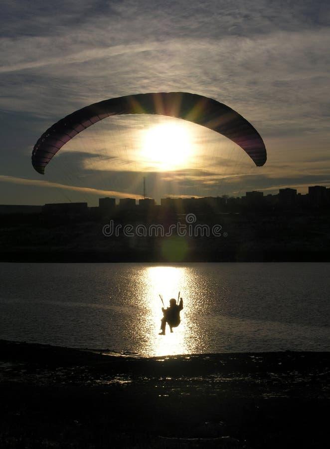 paraglider sylwetka fotografia stock