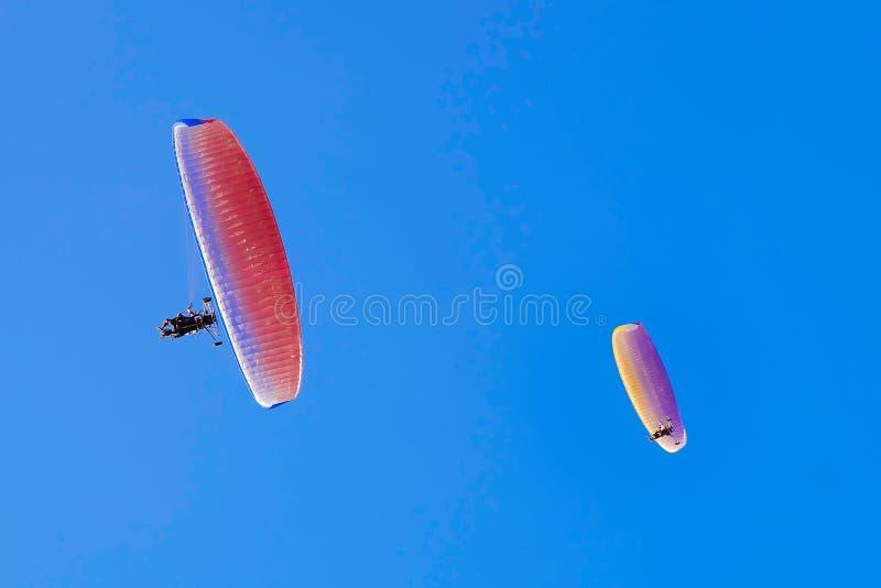 Paragliders foto de stock