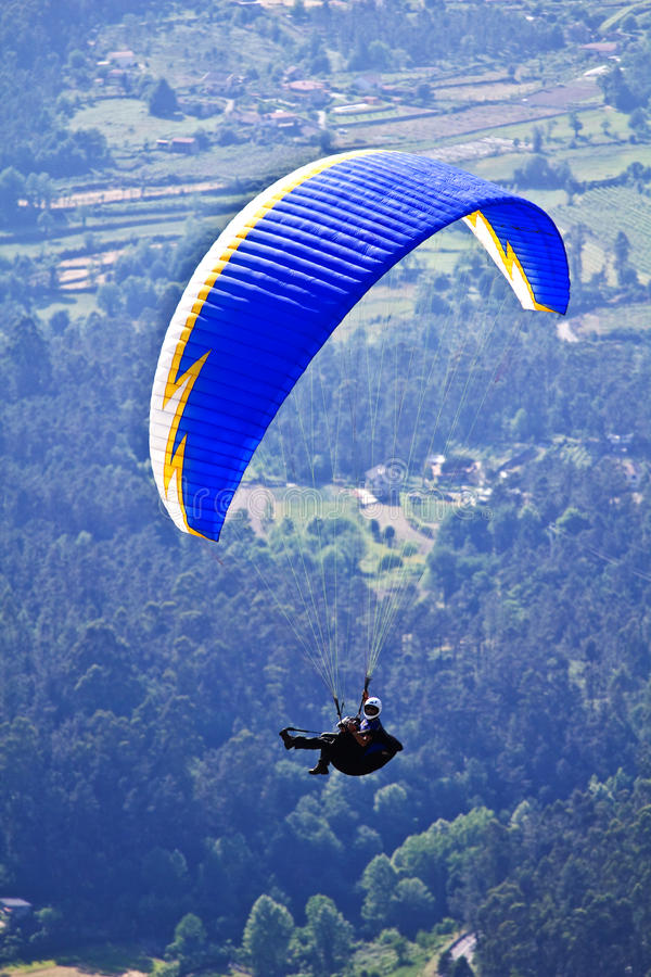 Download Paragliding editorial image. Image of gliding, cliffs - 14581305