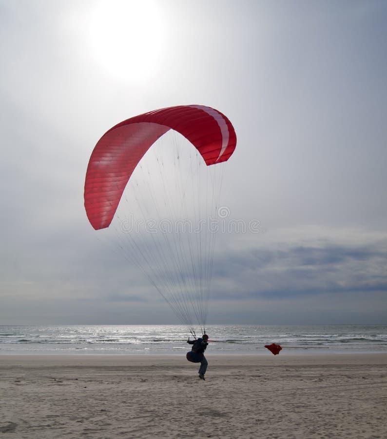 Paragliding en la costa de Oregon fotografía de archivo