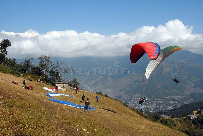 Paragliding en Nepal foto de archivo