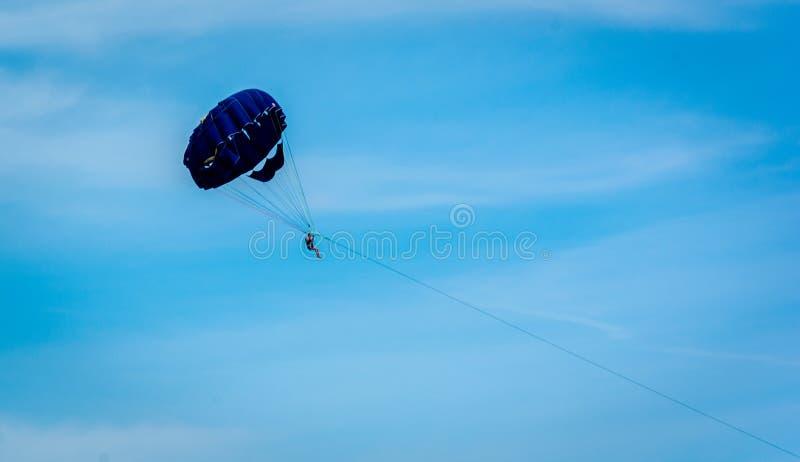 Paragliding en Turquía foto de archivo libre de regalías