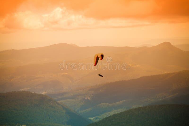 Paragliding, montaje Wellington fotos de archivo libres de regalías