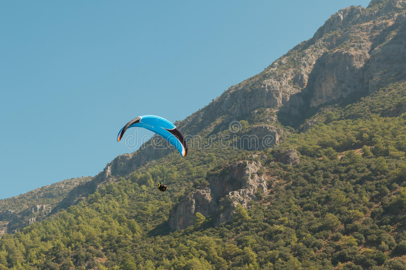 Download Paragliding  in Oludeniz editorial photography. Image of turkey - 38694752