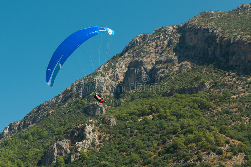 Download Paragliding  in Oludeniz editorial photography. Image of summer - 38694842