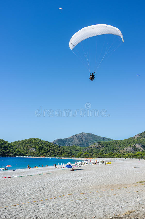 Download Paragliding editorial stock image. Image of paraglide - 34519774