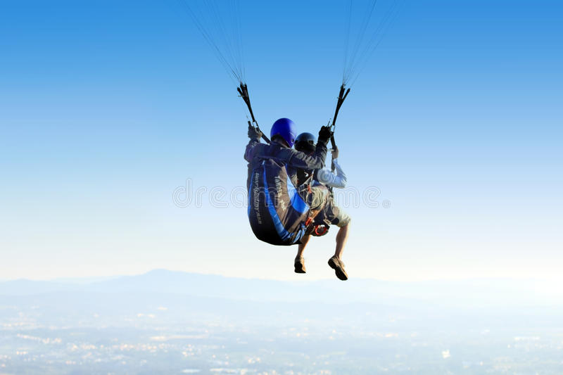 Download Paragliding - Tandem editorial stock image. Image of athletes - 14576434