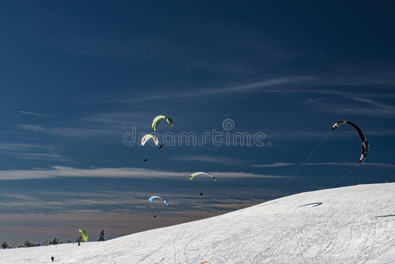 Paragliding z snowboards obraz royalty free