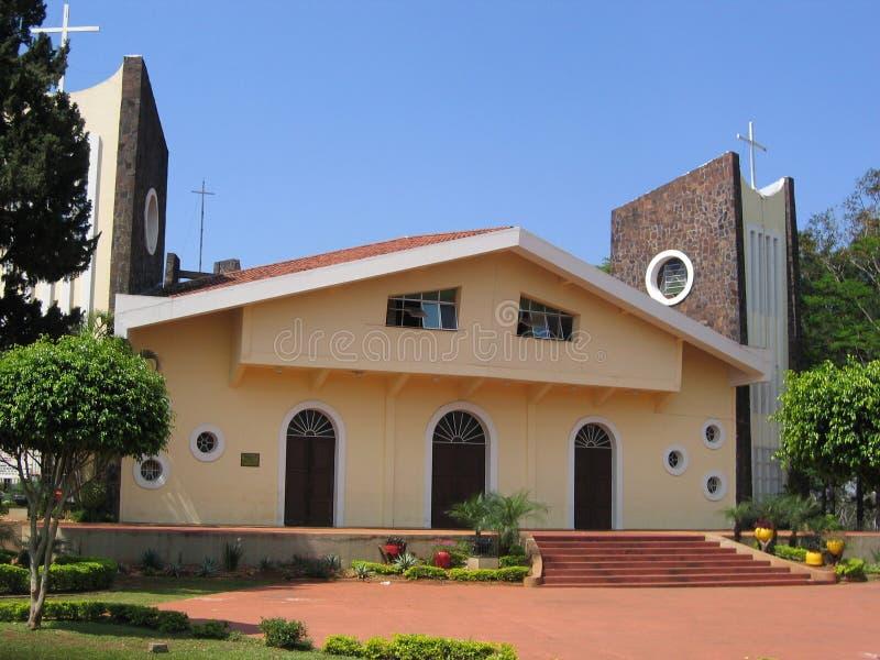 Paraguai, Ciudad del Este: Catedral de San Blas, arquitetura do barco imagem de stock royalty free