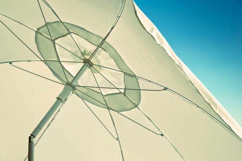 Paraguas blanco fotos de archivo libres de regalías