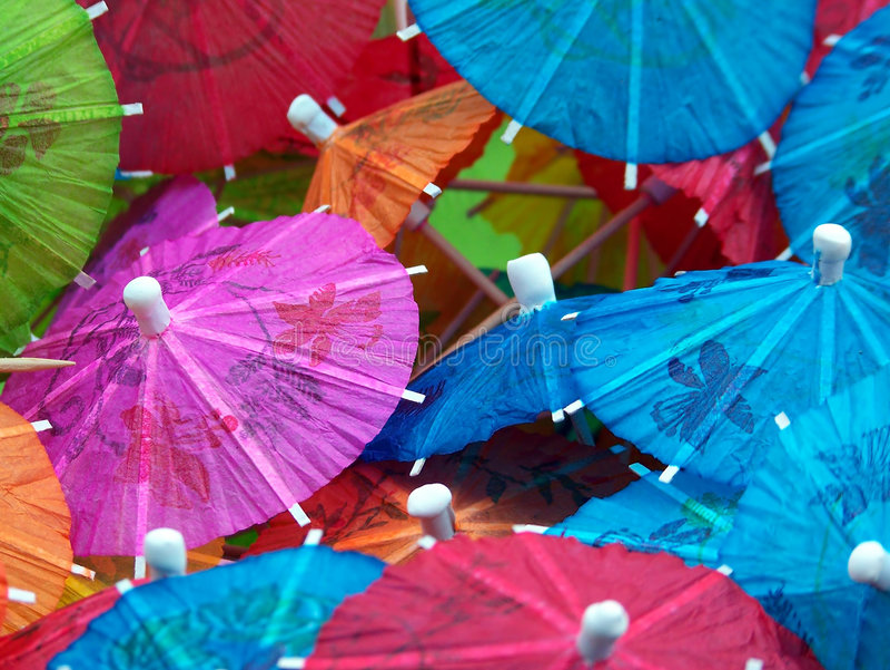 Paraguas coloridos de la bebida imagen de archivo libre de regalías