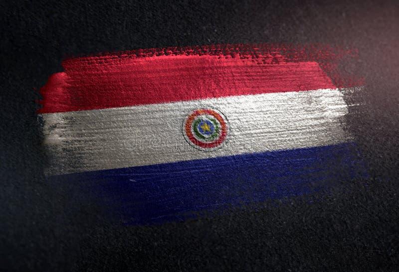 Paraguay-Flagge gemacht von der metallischen Bürsten-Farbe auf Schmutz-Dunkelheits-Wand lizenzfreies stockbild