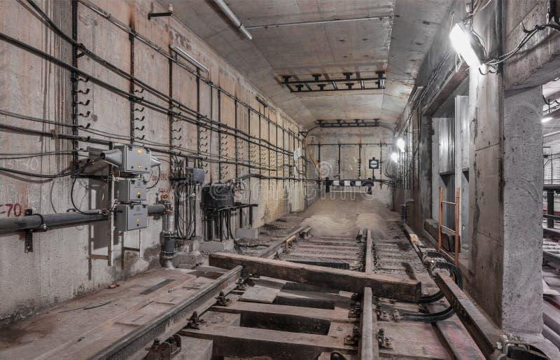 Paralização completa Railway no metro do túnel fotografia de stock