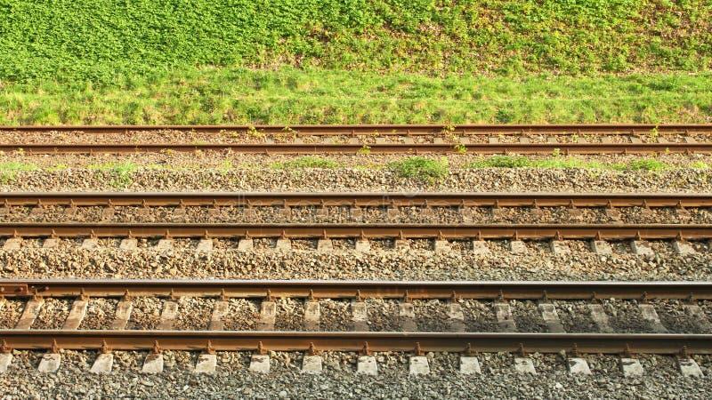 Parallele Schienenzeilen stockfotografie