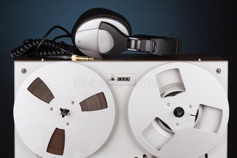 Parallell stereo- spelare för rullbandspelardäckregistreringsapparat royaltyfri bild