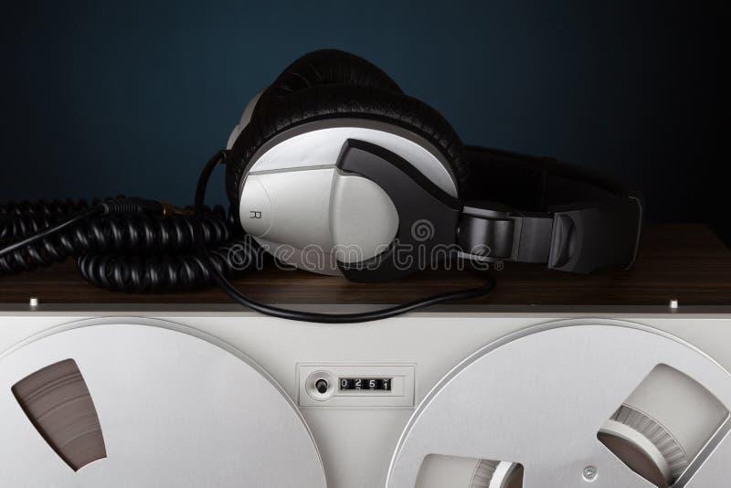 Parallell stereo- spelare för rullbandspelardäckregistreringsapparat arkivbild