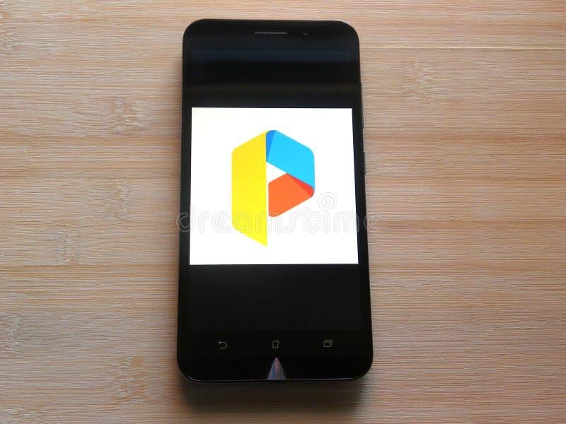 Parallelle Ruimteapp op mobiele telefoon stock afbeeldingen
