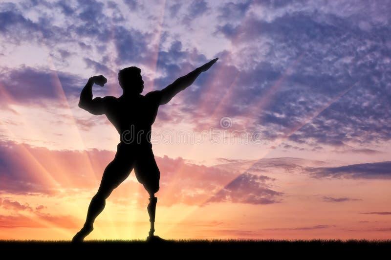 Paralympic bodybuilder z protetycznym noga zmierzchem obrazy stock