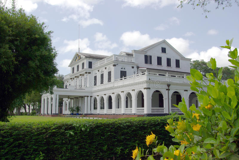 Paramaribo-Präsidentenpalast stockbild