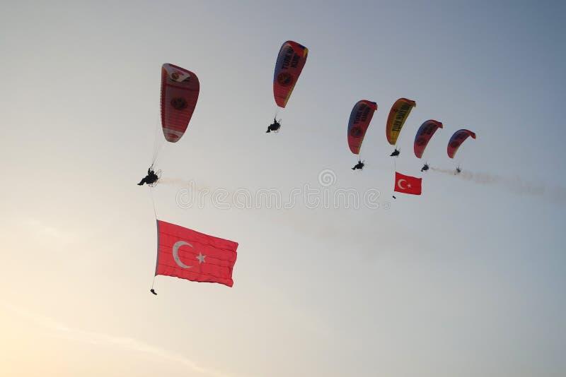 Parapendio di Babadag con la vista magnifica di Fethiye Oludeniz, Turchia fotografia stock libera da diritti