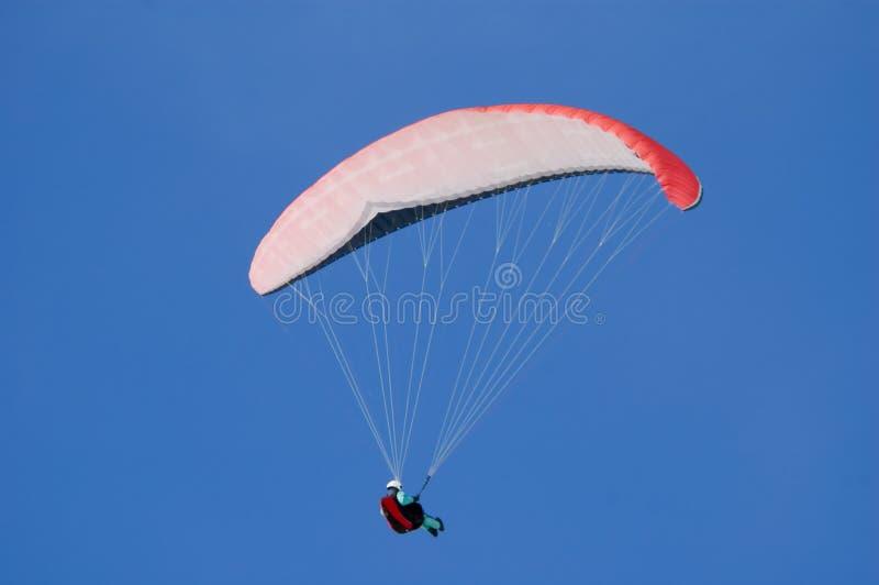 Download Parapente image stock. Image du blanc, rouge, clear, bleu - 727771