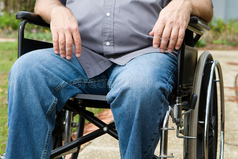 Paraplegic en sillón de ruedas imagen de archivo