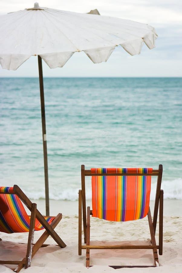 parapluie des présidences de plage deux images libres de droits
