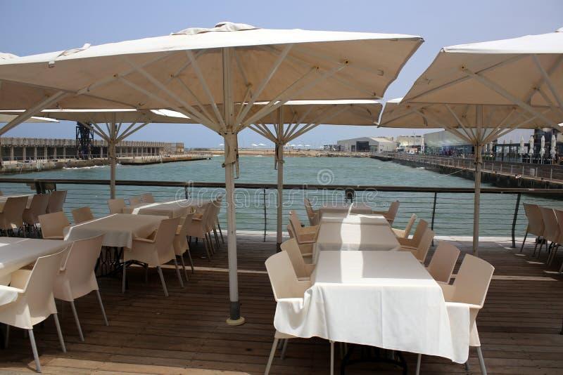 Parapluie pour la protection contre la pluie et le soleil image stock