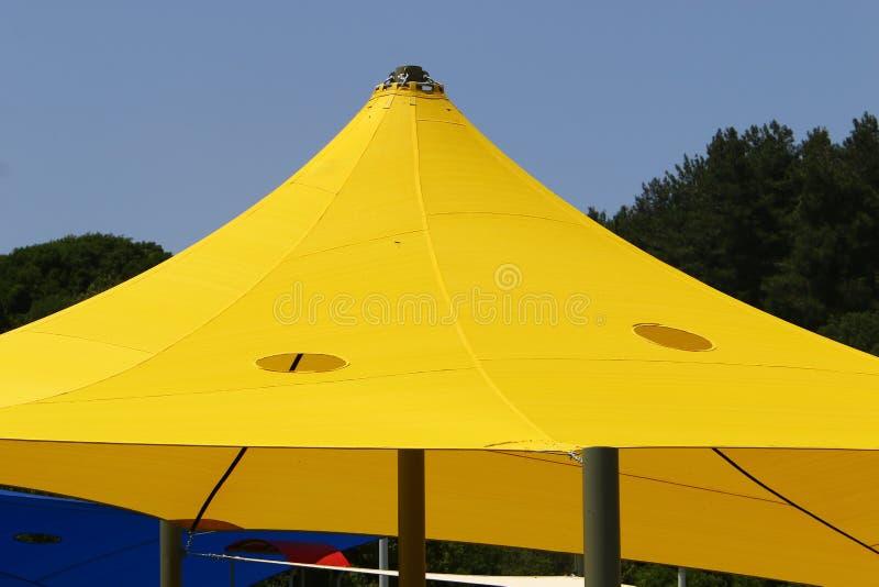 Parapluie pour la protection contre la pluie et le soleil photos stock