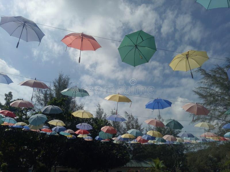 Parapluie volant photographie stock libre de droits