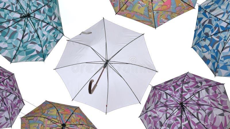 Parapluies colorés contre le ciel bleu illustration libre de droits