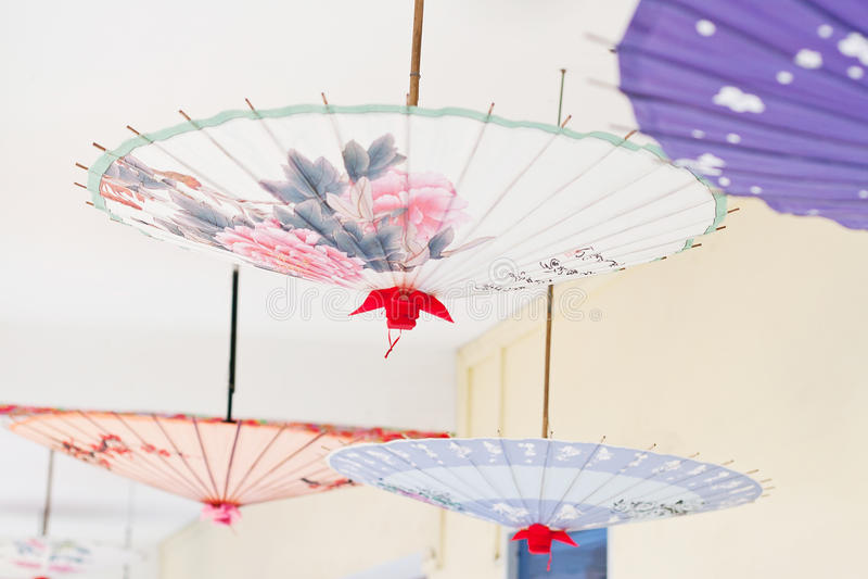 paraply för asia oljepapper arkivbild