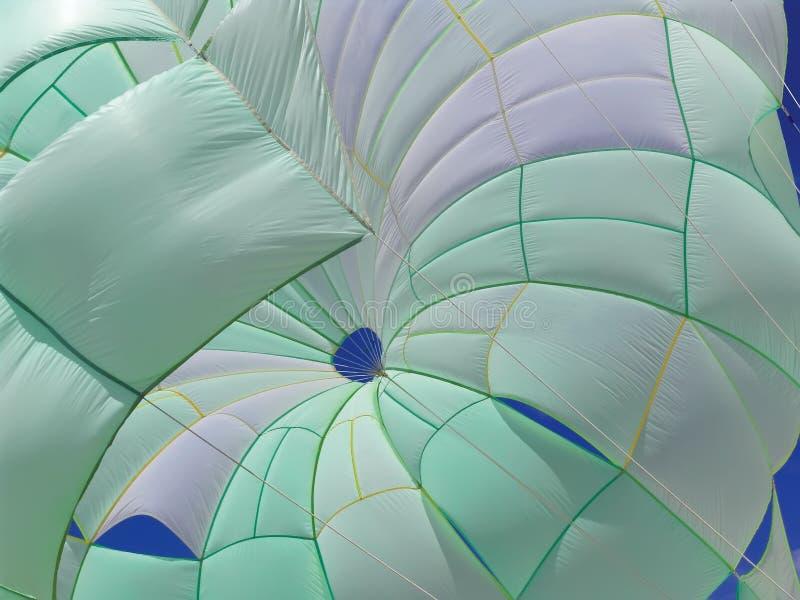 parasail Verde-bianco fotografia stock libera da diritti