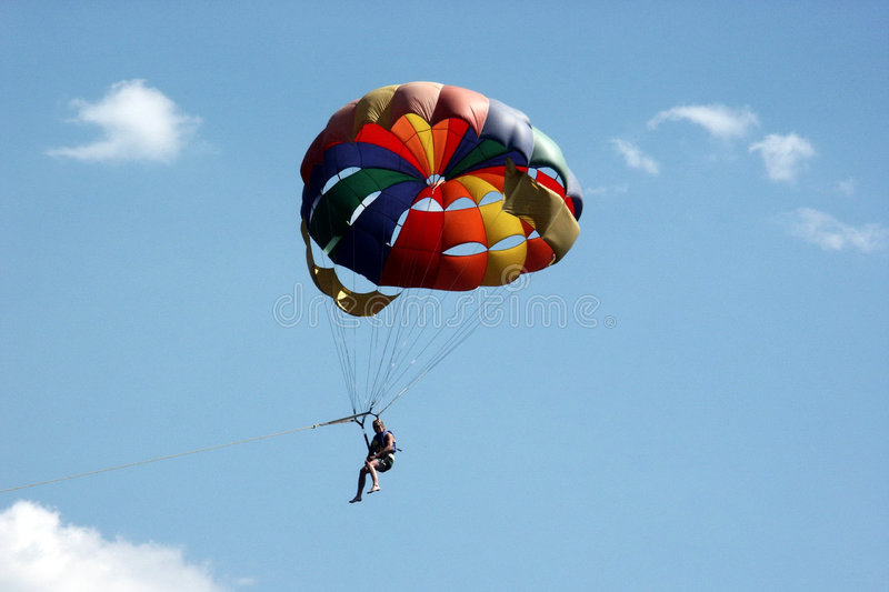 Download Parasailing Royalty Free Stock Images - Image: 2319759