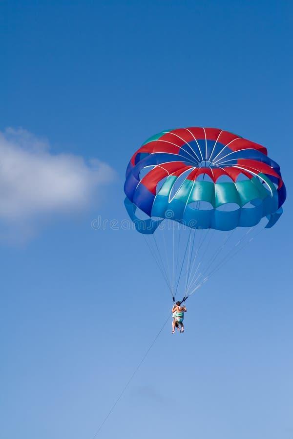 parasailing arkivbilder