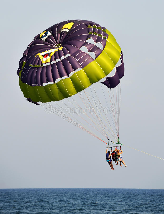 parasailing lato obraz royalty free